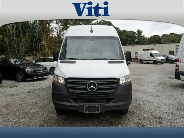 2019 Mercedes-Benz Sprinter (White/Black)