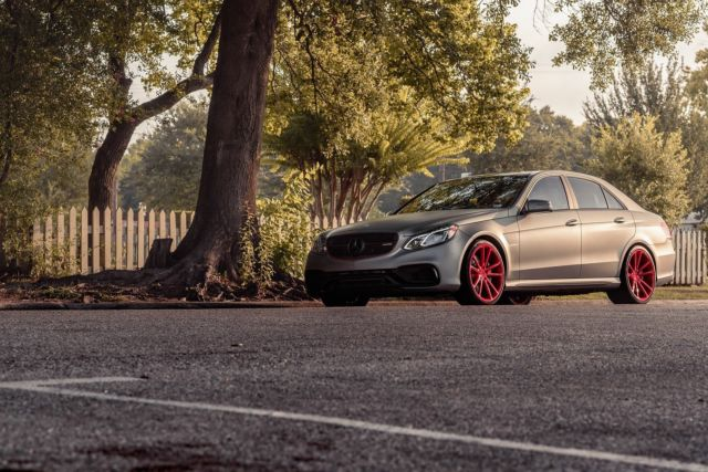 2015 Mercedes-Benz E-Class (Gray/Red)