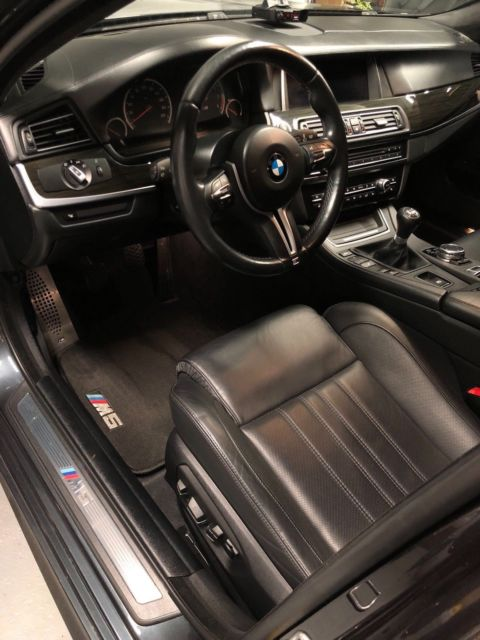 2015 BMW M5 (Singapore Gray/Black)