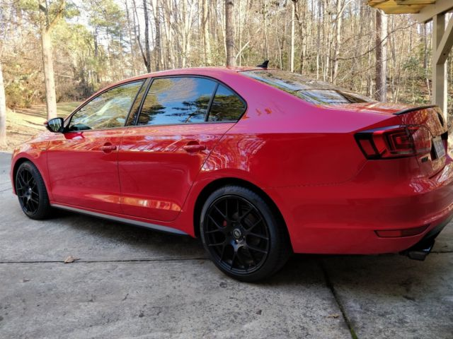 2014 Volkswagen Jetta (Red/Black)