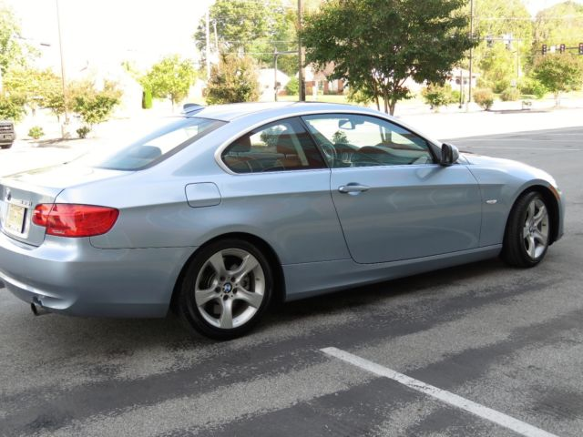 2013 BMW 3-Series (Liquid Blue Metallic/Saddle Brown dakota leather)