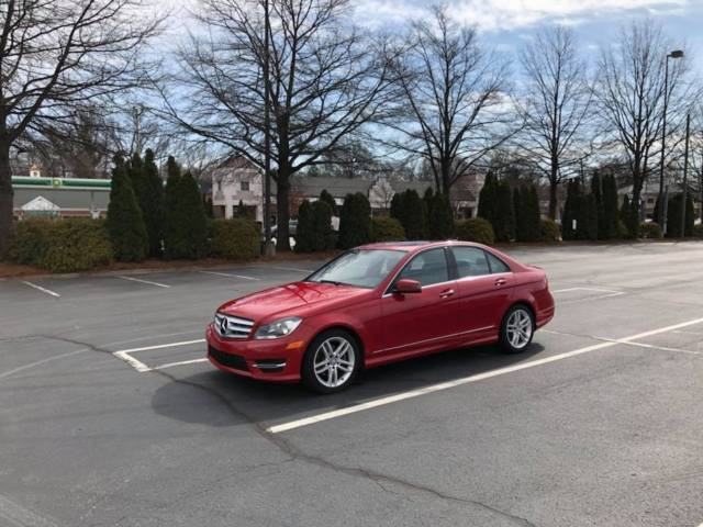 2013 Mercedes-Benz C-Class (Red/Black)