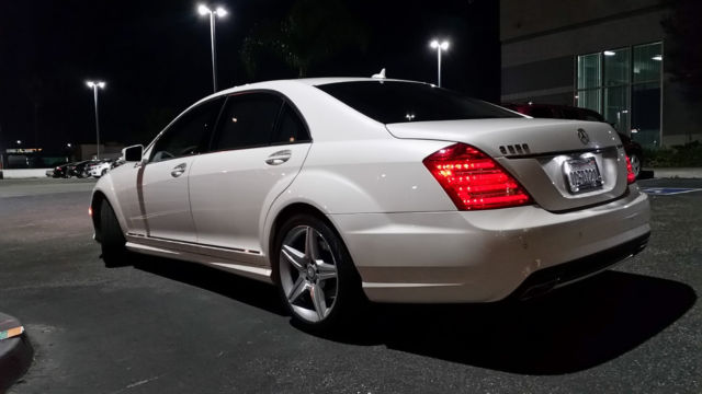 2010 Mercedes-Benz S-Class (White/Black)