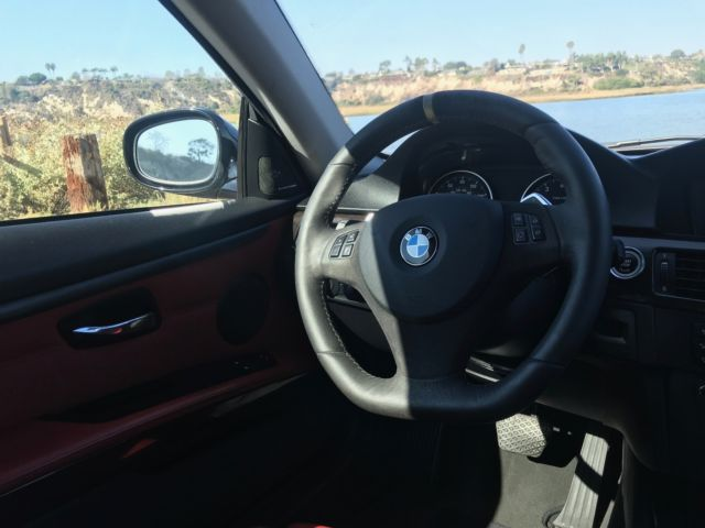 2011 BMW 3-Series (Black Sapphire/Red Dakota)