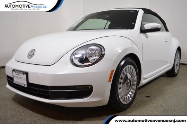 2015 Volkswagen Beetle-New (Black/Black)