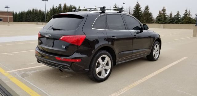 2012 Audi Q5 (Black/Brown)