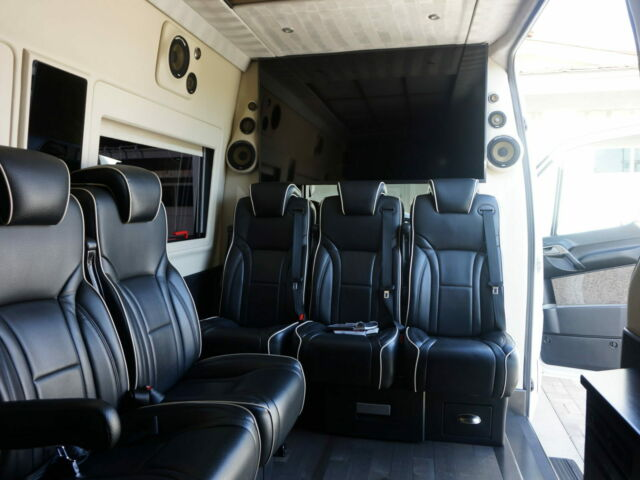 2015 Mercedes-Benz Sprinter (White/Black)