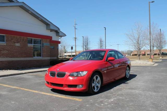 2009 BMW 3-Series (Red/Black)