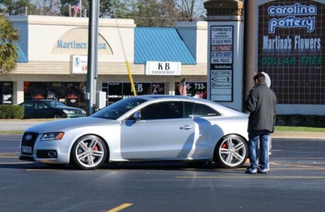 2008 Audi S5 (Silver/Red)
