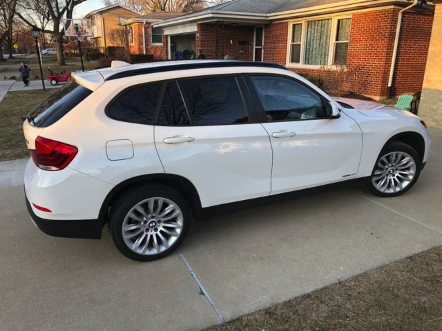 2014 BMW X1 (White/Black)
