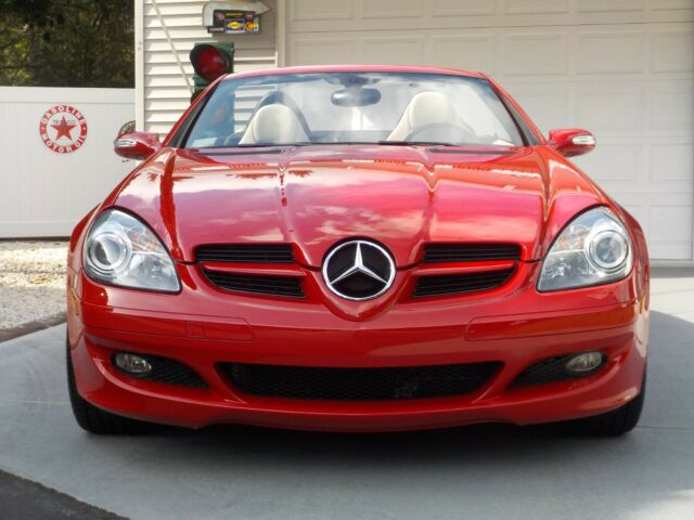 2008 Mercedes-Benz SLK-Class (MARS RED/LIGHT BEIGE)