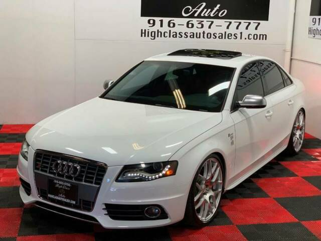2011 Audi S4 (White/Red)