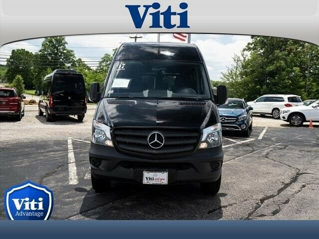 2017 Mercedes-Benz Sprinter Crew (Black/Black)