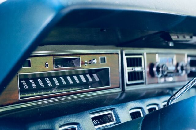 1972 Lincoln Continental (Black/Blue)