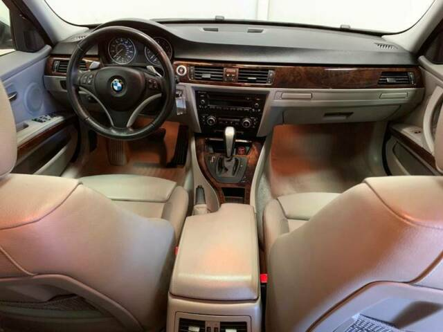 2008 BMW 3-Series (Silver/Black)