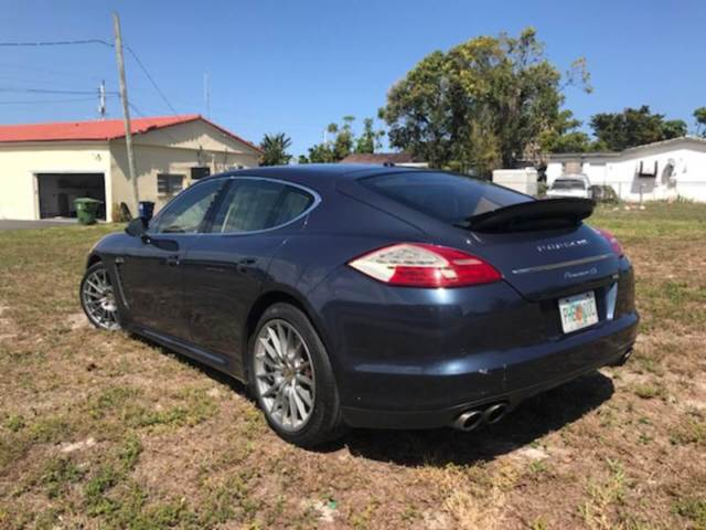 2011 Porsche Panamera (Blue/Brown)