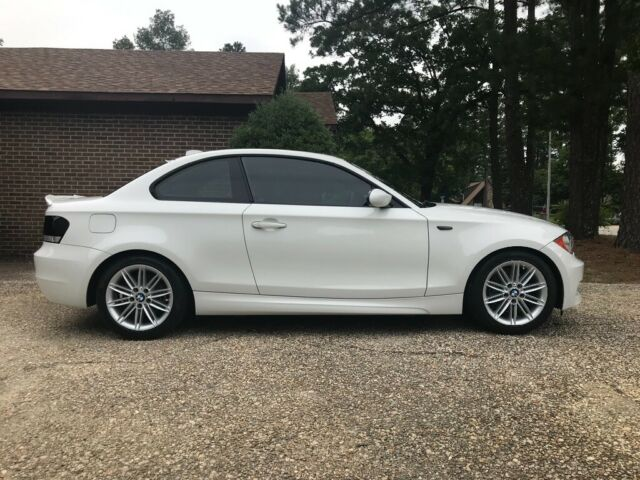 2009 BMW 1-Series (White/Black)