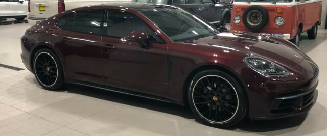 2018 Porsche Panamera (BURGUNDY RED METALLIC/Black)
