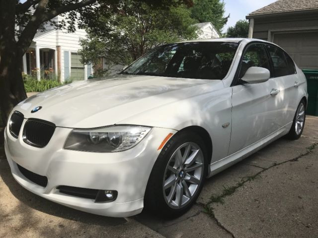 2009 BMW 3-Series (White/Brown)