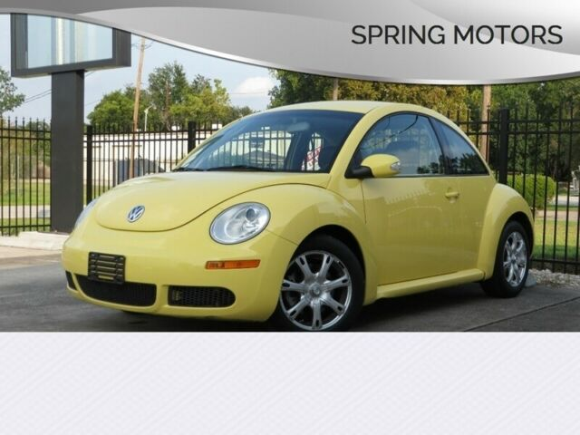 2008 Volkswagen Beetle-New (Yellow/Black)