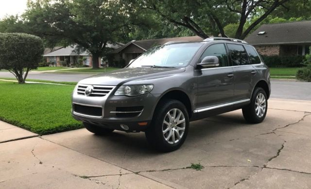 2008 Volkswagen Touareg (Alaska Grey/Sienna (Brown/Orange))