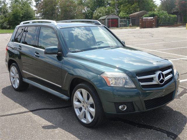 2010 Mercedes-Benz GLK-Class (Green/Tan)
