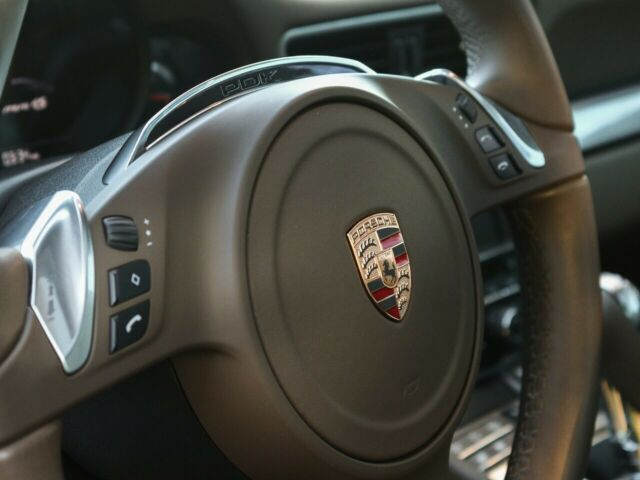 2013 Porsche 911 (Brown/Umber)