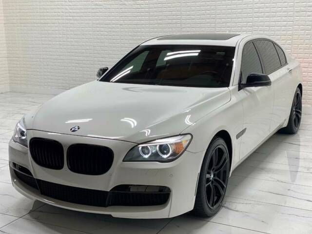 2013 BMW 7-Series (White/Tan)