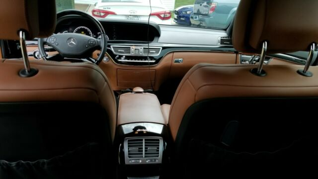 2012 Mercedes-Benz S-Class (Black/Brown)