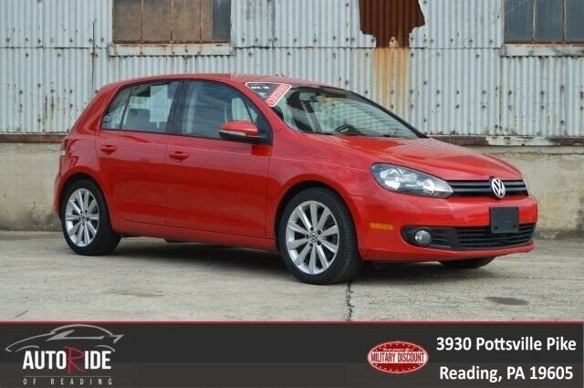 2012 Volkswagen Golf (Red/Black)