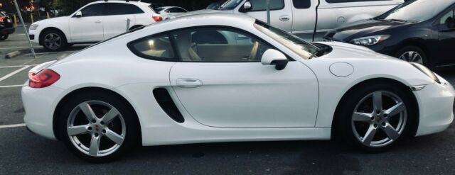 2014 Porsche Cayman (White/Tan)