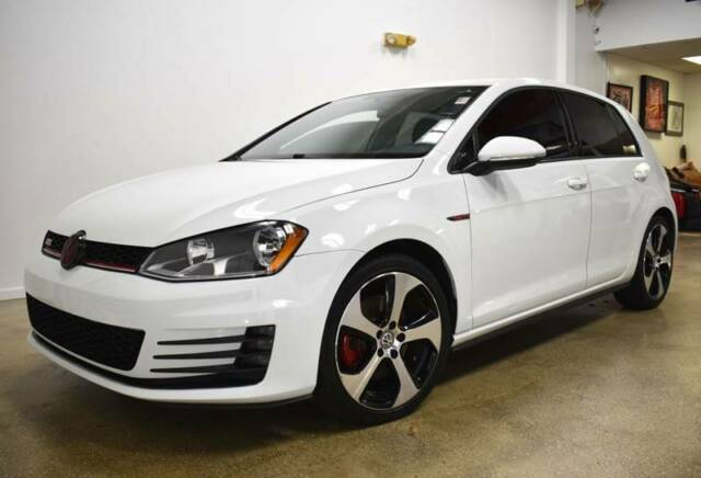 2015 Volkswagen Golf (White/Black)