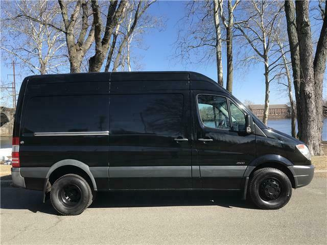 2011 MERCEDES BENZ/FREIGHTLINE SPRINTER 3500 (Black/Black)