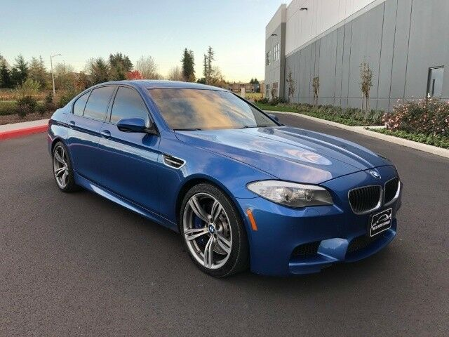 2013 BMW M5 (Monte Carlo Blue Metallic/Black)