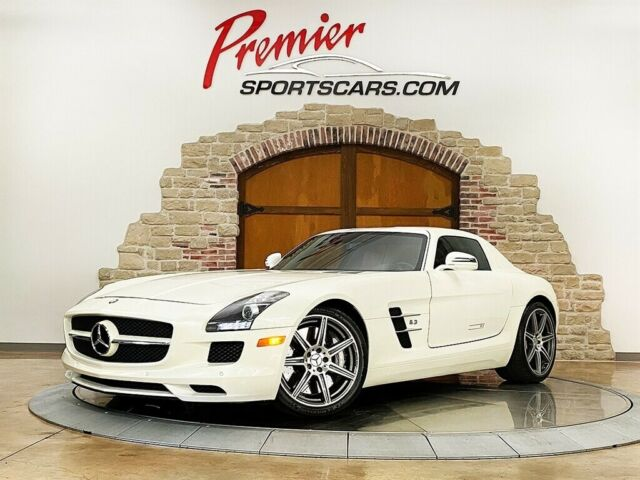 2011 Mercedes-Benz SLS AMG (White/Red)