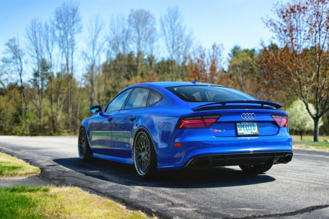 2014 Audi RS7 (Audi Exclusive Nogaro Blue/Audi Exclusive Crimson Red)