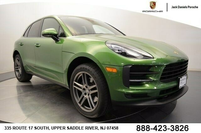 2019 Porsche Macan (Green/Black)