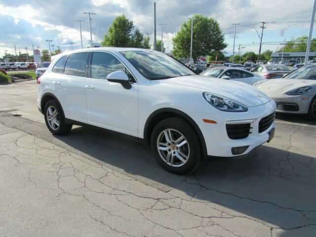 2016 Porsche Cayenne (White pearl/chestnut brown)