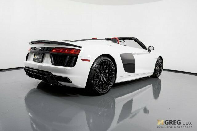 2018 Audi R8 (White/Red)