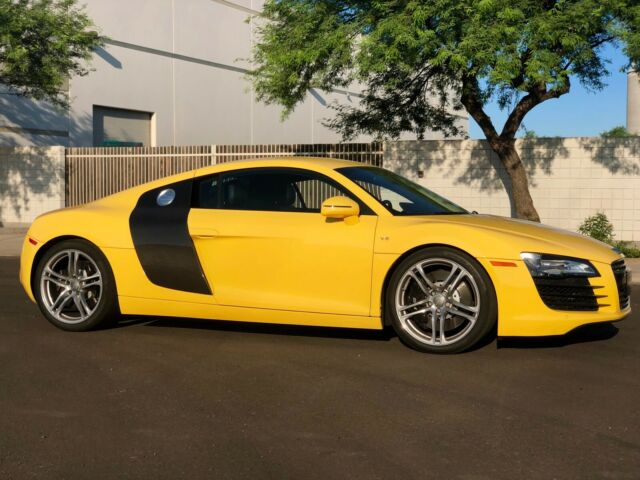 2008 Audi R8 (Imola Yellow/Black)