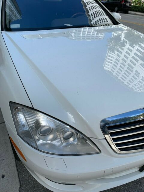 2008 Mercedes-Benz S-Class (Arctic white/Gray)