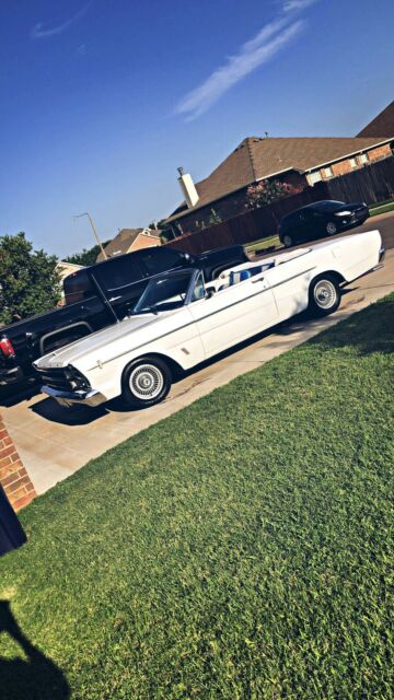 1966 Ford Galaxie 500 XL (White/Black)