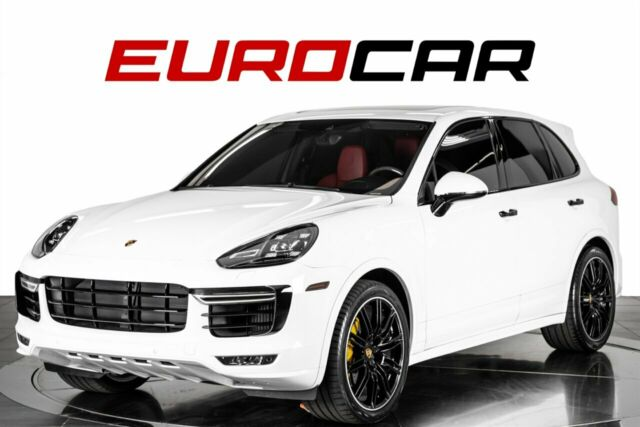 2018 Porsche Cayenne (White/Red)