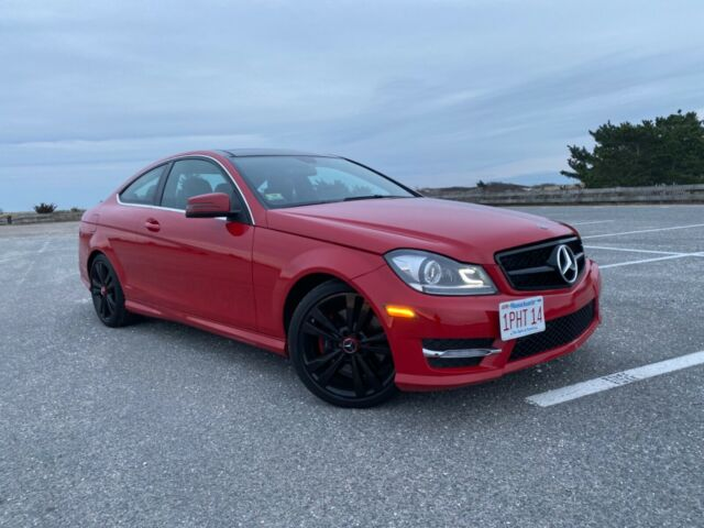 2015 Mercedes-Benz C-Class (Red/Black)