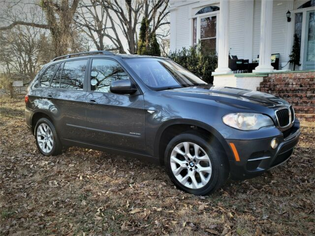 2011 BMW X5 (GRAY/TAN)