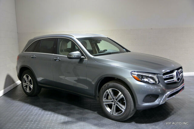 2017 Mercedes-Benz GLC (Gray/Brown)