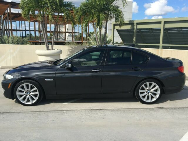 2011 BMW 5-Series (Metallic Charcoal Grey/Oyster)