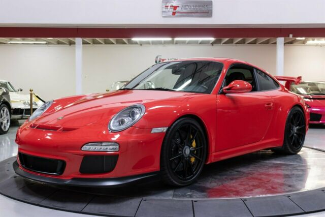 2010 Porsche 911 (Guards Red/Black)