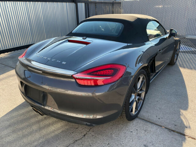 2013 Porsche Boxster (Grey Metallic/Red)