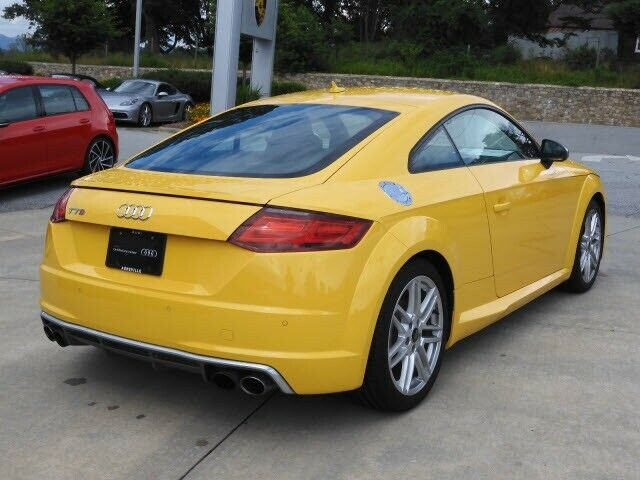 2017 Audi TT (Yellow/Black)